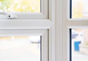 Liniar Bay Window